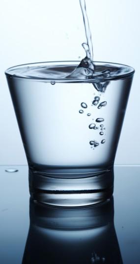 Eksperimentas, kuris tapo gyvenimo būdu: visą mėnesį po 2,5 l vandens į dieną